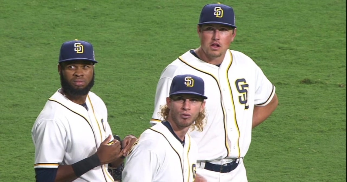 Padres__new-look_outfield_1280x720_905668675741.vresize.1200.630.high.0