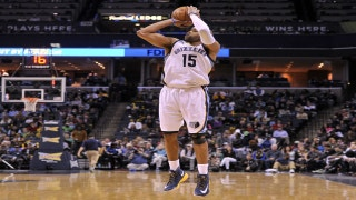 Grizzlies LIVE to Go: Vince Carter turns back the clock to give the Grizzlies a victory over the Bucks 113-93