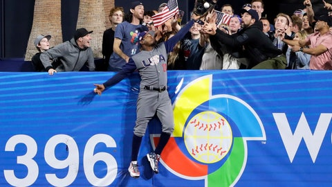 Adam Jones' awesome catch helps Team USA advance to WBC semifinals