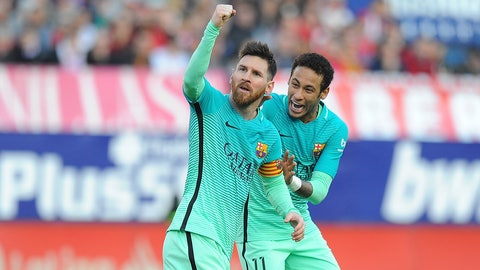 MADRID, SPAIN - FEBRUARY 26:  Lionel Messi of FC Barcelona celebratea with Neymar after scoring his 2nd goal during the La Liga match between Club Atletico de Madrid and FC Barcelona at Vicente Calderon Stadium on February 26, 2017 in Madrid, Spain.  (Photo by Denis Doyle/Getty Images)