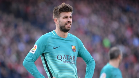 MADRID, SPAIN - FEBRUARY 26:  Gerard Pique, #3 of FC Barcelona during The La Liga match between Club Atletico de Madrid v FC Barcelona - La Liga  at  Vicente Calderon on February 26, 2017 in Madrid, Spain. (Photo by Sonia Canada/Getty Images)