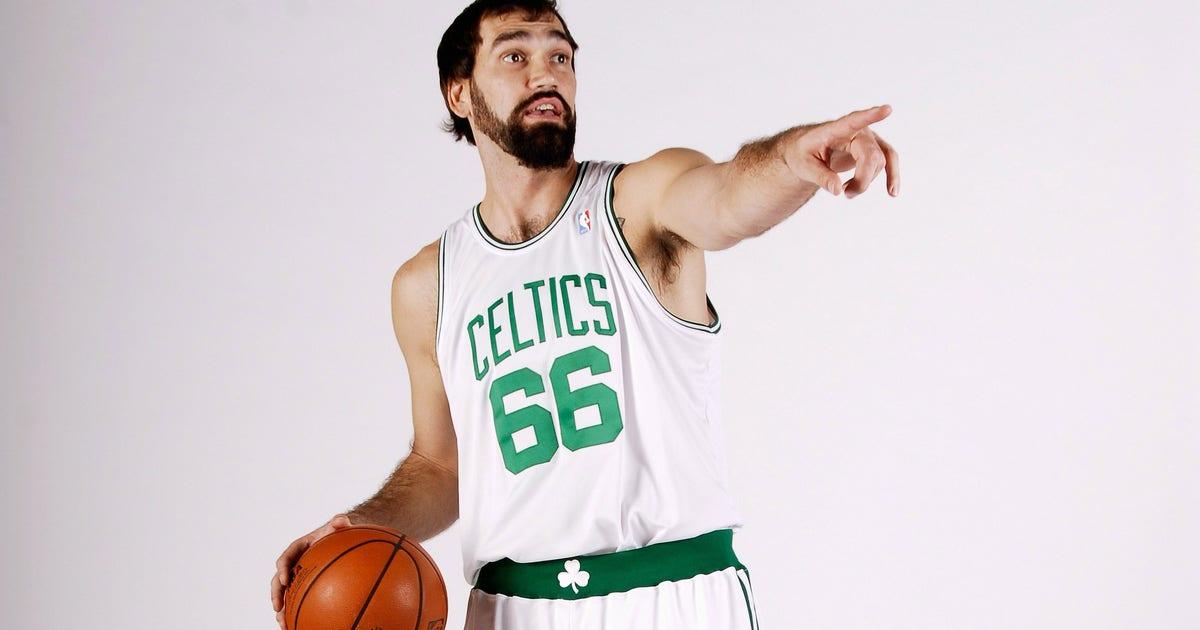 Celtics-scot-pollard-2008-reunion-rajon-rondo-invitation.vresize.1200.630.high.0