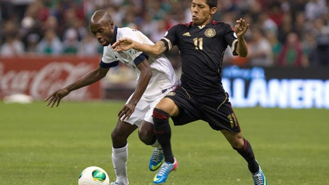 Watch Javier Hernandez tie Jared Borgetti as Mexico's all-time goal-scoring leader