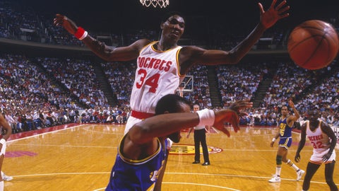 Boston Celtics: Hakeem Olajuwon