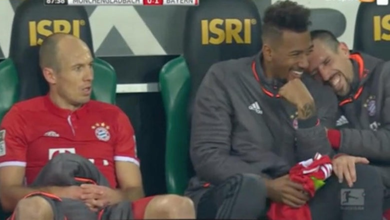 Watch Arjen Robben's teammates hysterically cry with laughter at his temper tantrum
