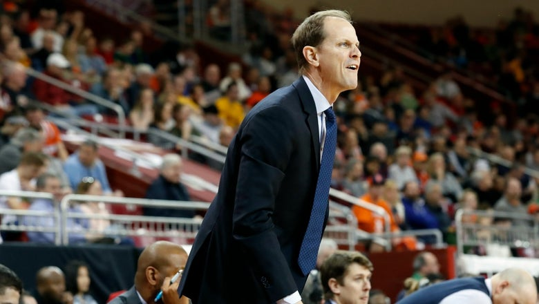 Report: Washington to hire Syracuse assistant Mike Hopkins as new head coach