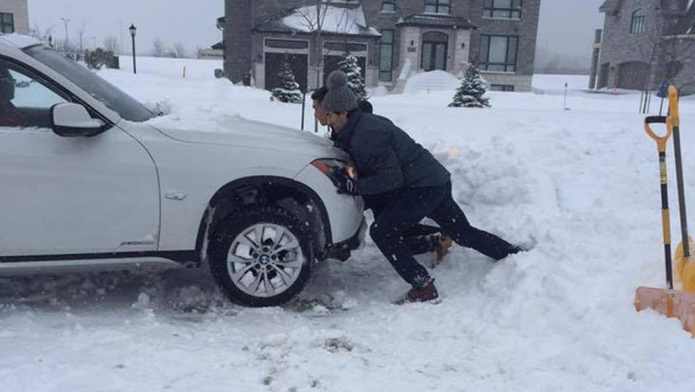 Canadiens captain helps shovel stranded motorist out of a snowbank