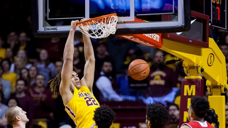 Gophers sprint past Cornhuskers for eighth straight win