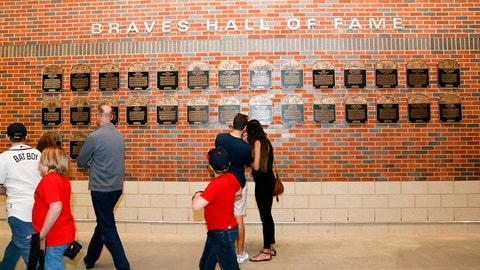 Braves Hall Of Fame Plaques