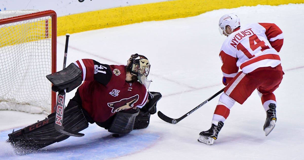 Pi-nhl-coyotes-red-wings-mike-smith-gustav-nyquist-031617.vresize.1200.630.high.0