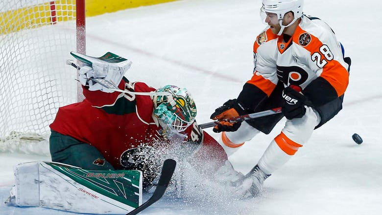 Dubnyk stops 24 shots, but Wild fall to Flyers