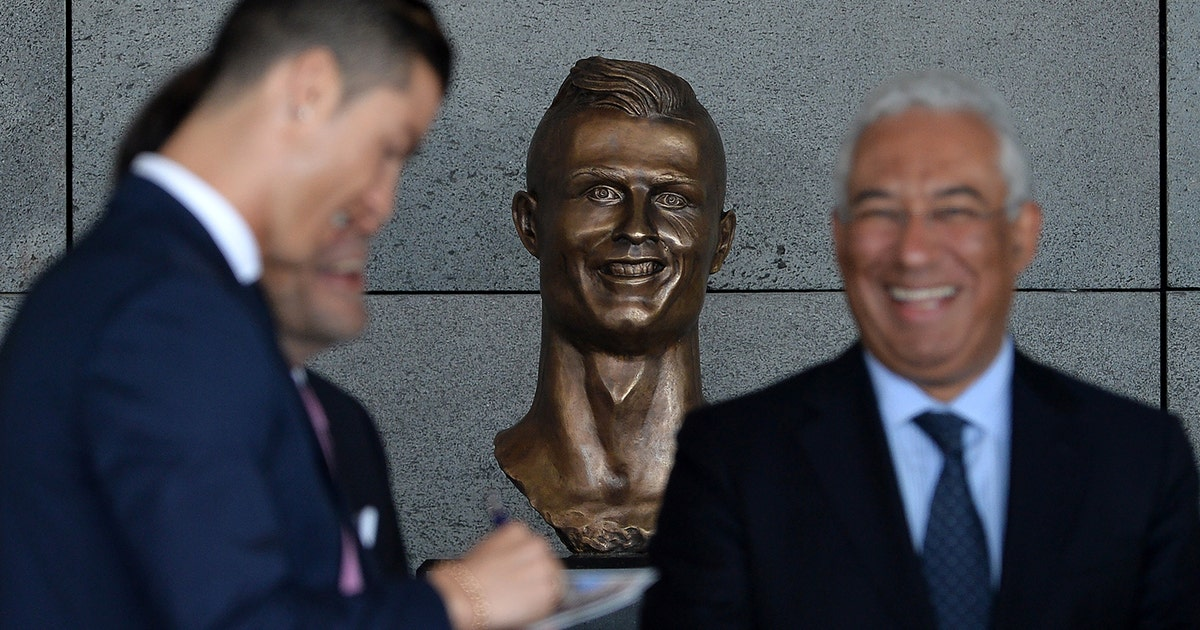 The internet absolutely roasted the bizarre new Cristiano Ronaldo sculpture | FOX Sports