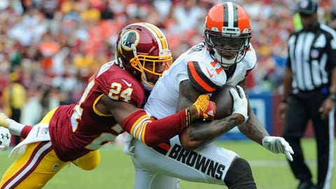 02 October 2016:   Cleveland Browns wide receiver Terrelle Pryor (11) catches a pass at the five yard line against Washington Redskins cornerback Josh Norman (24) at FedEx Field, in Landover, MD. (Photo by Mark Goldman/Icon Sportswire)