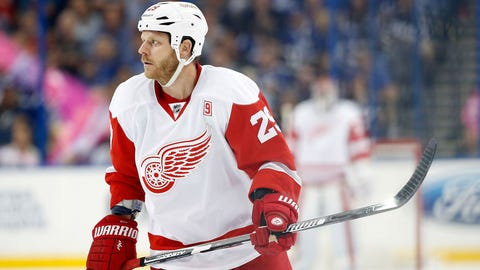 Kings trade Dwight King to Canadiens in deadline-day deal