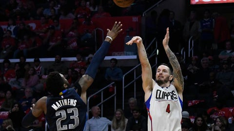 Clippers unravel down the stretch in loss to Mavericks