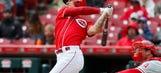 Reliever Lorenzen's pinch-hit homer sends Reds over Phillies