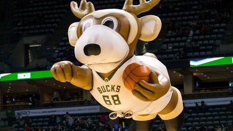 Milwaukee Bucks: Bango the Buck