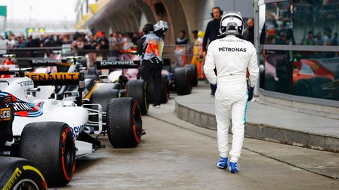 Valtteri Bottas walks back to the garage after finishing sixth in the Chinese GP. (Photo: Steven Tee/LAT Images)