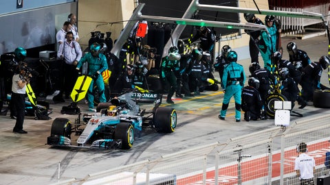 Formula One: Hamilton takes blame for Bahrain penalty