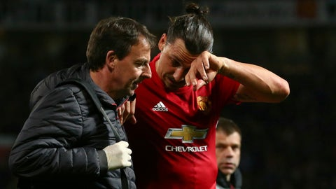 Mourinho fears worst with Ibrahimovic, Rojo injuries