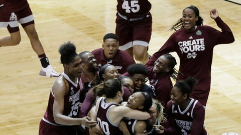 Bulldog's buzzer-beater ends UConn's 111-game winning streak