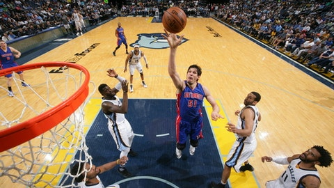MEMPHIS, TN - APRIL 9:  Boban Marjanovic #51 of the Detroit Pistons shoots the ball against the Memphis Grizzlies on April 9, 2017 at FedExForum in Memphis, Tennessee. NOTE TO USER: User expressly acknowledges and agrees that, by downloading and or using this photograph, User is consenting to the terms and conditions of the Getty Images License Agreement. Mandatory Copyright Notice: Copyright 2017 NBAE (Photo by Joe Murphy/NBAE via Getty Images)