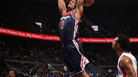 AUBURN HILLS, MI - APRIL 10:Bradley Beal #3 of the Washington Wizards dunks against the Detroit Pistons on April 10, 2017  at The Palace of Auburn Hills in Auburn Hills, Michigan. NOTE TO USER: User expressly acknowledges and agrees that, by downloading and/or using this photograph, User is consenting to the terms and conditions of the Getty Images License Agreement. Mandatory Copyright Notice: Copyright 2017 NBAE (Photo by Chris Schwegler/NBAE via Getty Images)
