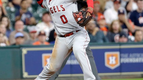 Three-run blast by Pujols helps Angels beat Astros