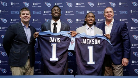 Tennessee Titans, Jon Robinson Mix It Up In First Round