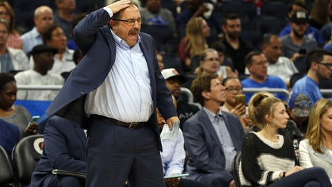 Conley scores 31, Grizzlies beat Knicks to clinch seventh