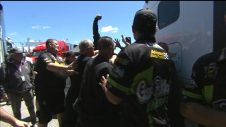 The Crews of Laughlin and Gray Fight in the Pits | 2017 NHRA DRAG RACING