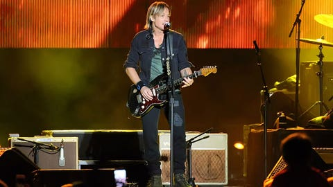 Country singer Keith Urban performs at Fan Fest.