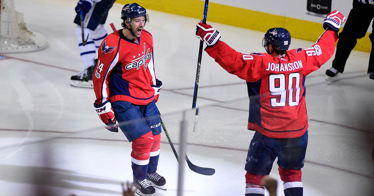 Justin-williams-clutch-goal-capitals-nhl-1300.vresize.1200.630.high.0
