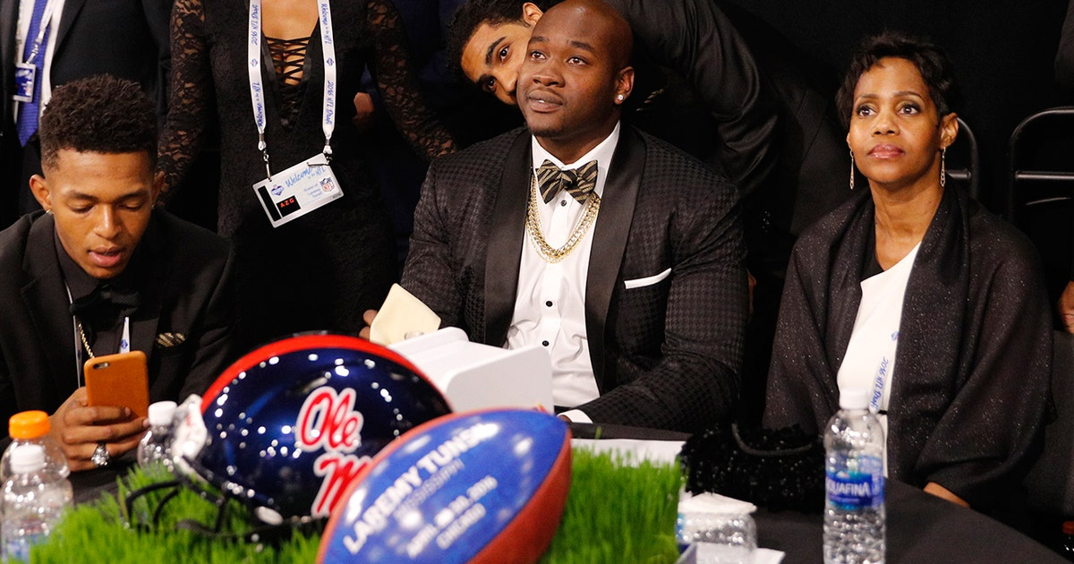 Laremy-tunsil-nfl-draft-parties.vresize.1200.630.high.0