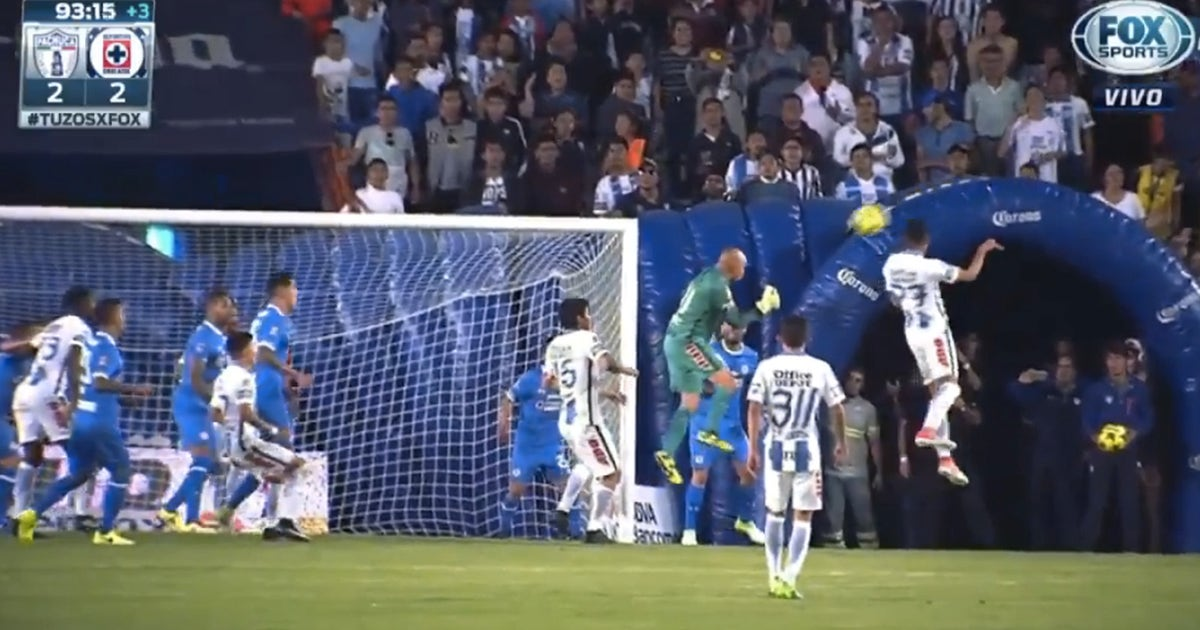 This thrilling last-gasp equalizer from Pachuca's 44-year-old goalkeeper may prove crucial | FOX Sports