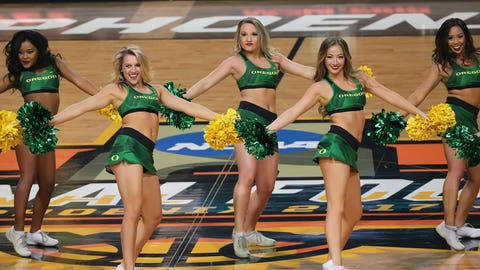 Oregon cheerleaders.