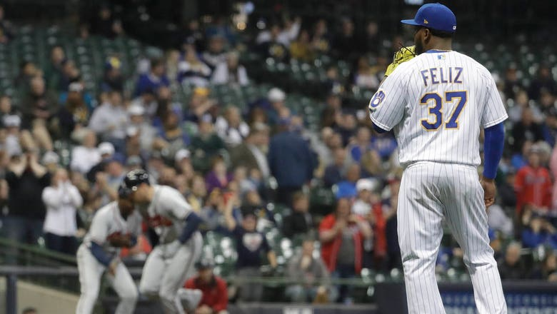 Brewers squander two 4-run leads, fall to Atlanta