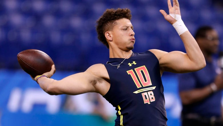 Chiefs trade up to draft Texas Tech QB Mahomes 10th overall