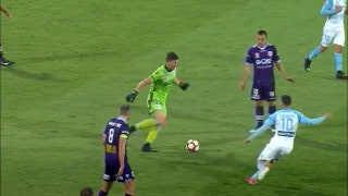 A-League goalkeeper makes an embarrassing blunder