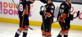 Getzlaf, Silfverberg spark Ducks 3-2 comeback win in Game 1