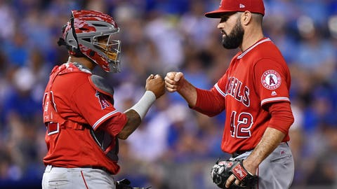 Los Angeles Angels (6-7)