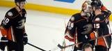 Fortunate bounce hands Ducks 3-2 win, 2-0 series lead over Calgary