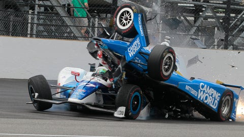 Frightening wreck knocks Scott Dixon out of Indianapolis 500