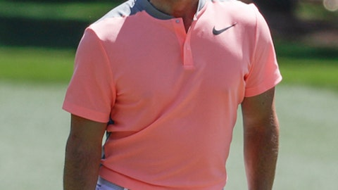 Rory McIlroy of Northern Ireland, reacts to a shot on the first hole during the final round of the Masters golf tournament Sunday, April 9, 2017, in Augusta, Ga. (AP Photo/Chris Carlson)