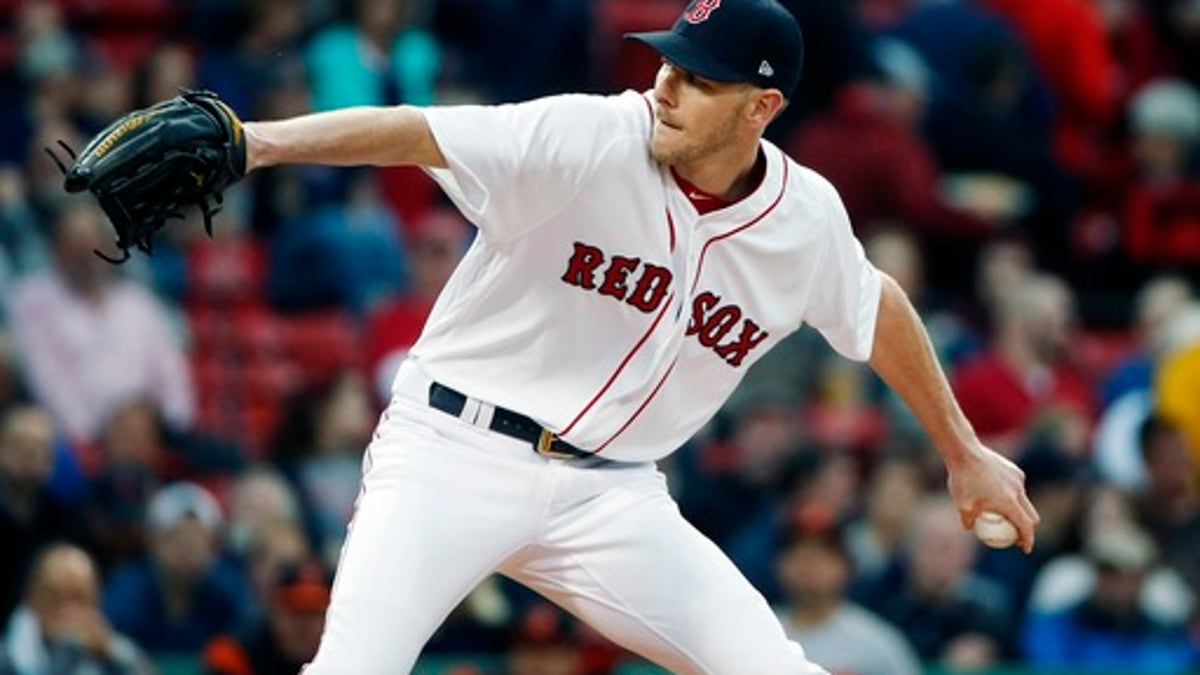 Chris Sale looks to extend his strikeout streak against the Rangers