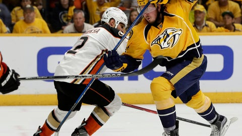 Sissons' hat trick puts Predators in Finals