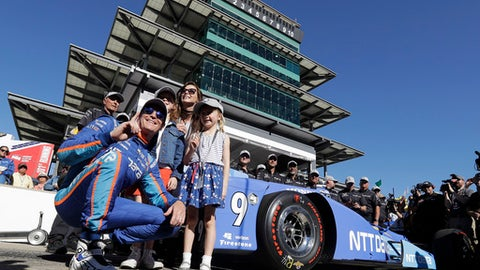 Indy 500 winners Dixon, Franchitti robbed at a Taco Bell