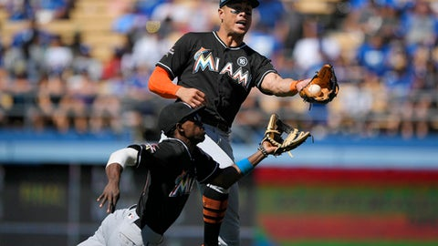 Marlins drop series opener to Dodgers, 7-2