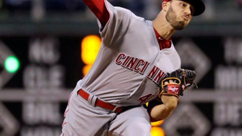 Cincinnati Reds' Tim Adleman pitches during the during the third inning of a baseball game against the Philadelphia Phillies, Friday, May 26, 2017, in Philadelphia. (AP Photo/Matt Slocum)