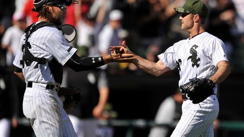 Chicago White Sox closing pitcher David Robertson right, celebrates with catcher Kevan Smith left, after defeating the Boston Red Sox in a baseball game Monday, May 29, 2017, in Chicago. (AP Photo/Paul Beaty)